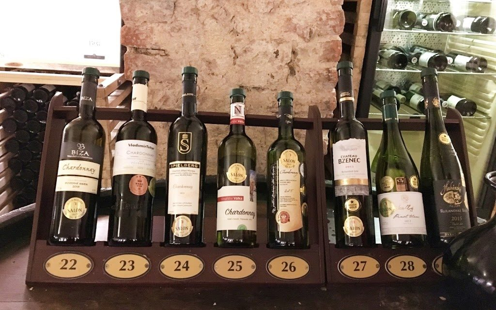 One Glass – A Hundred Different Types of Wine