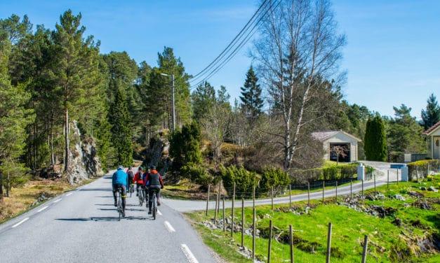På sykkelferie med De Historiske og Bike the Fjords i vakkert kystlandskap