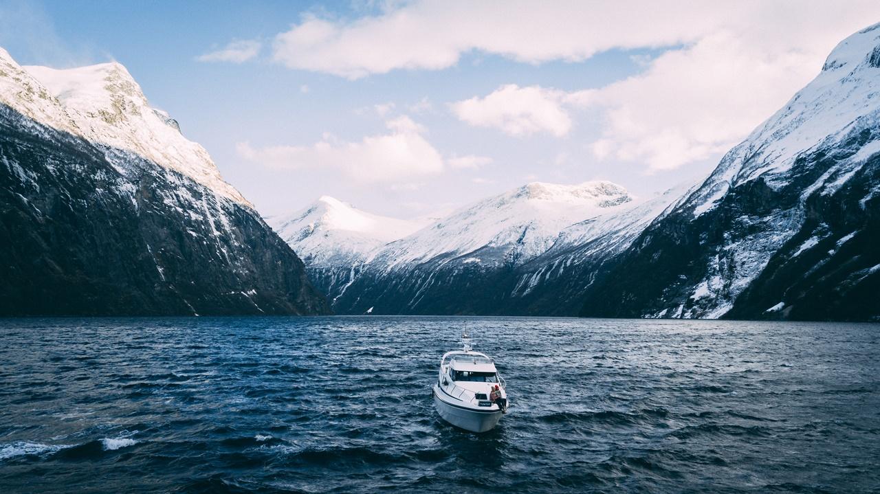 Hjørundfjord privatcruise