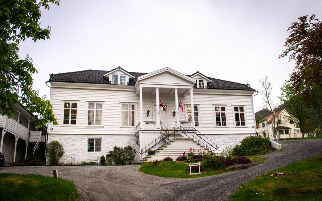 Besøk herskapelige Fjordslottet hotell