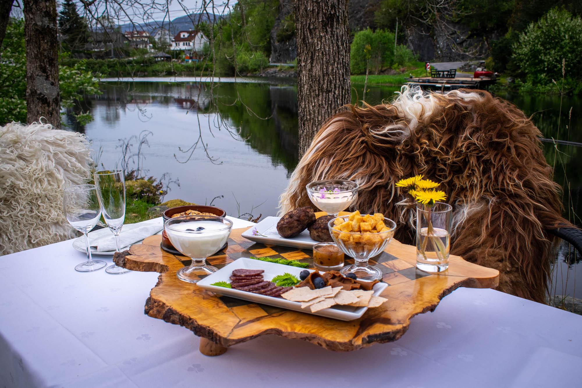 Lokalmat på Fjordslottet Hotell