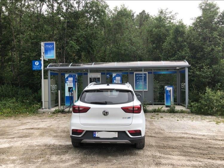 lading med elbil på norgesferie